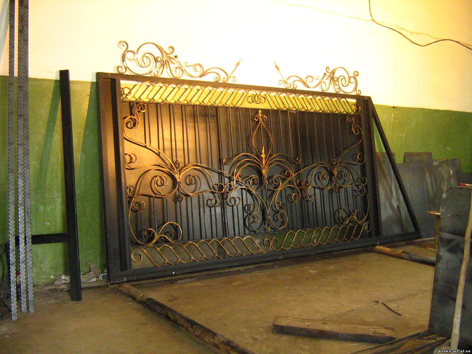 Ворота своими руками кованные 33